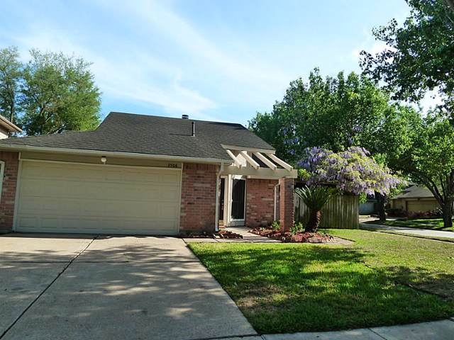 3506 Greenwood Drive, Sugar Land, TX 77478 (MLS #83850849) :: The Sold By Valdez Team