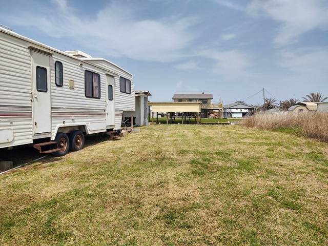 12119 Gulfview, Sargent, TX 77414 (MLS #83872387) :: The Queen Team