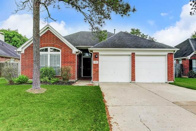 3907 Vinecrest Drive, Pearland, TX 77584 (MLS #8422680) :: Bay Area Elite Properties