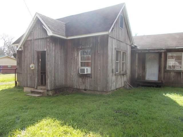 642 N Love Street, Oakwood, TX 75855 (MLS #84352159) :: Christy Buck Team