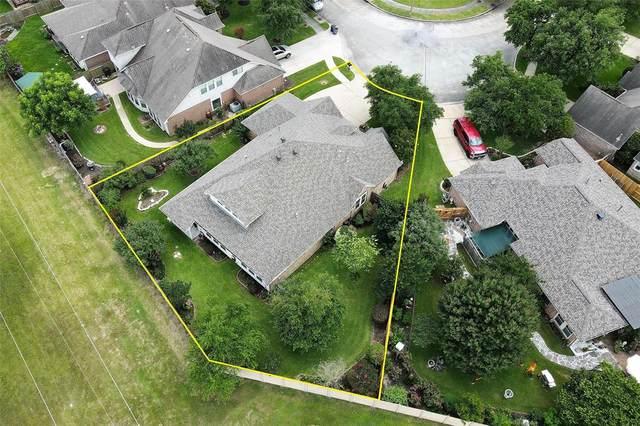 852 Shoal Pointe Lane, League City, TX 77573 (MLS #84627398) :: Rachel Lee Realtor