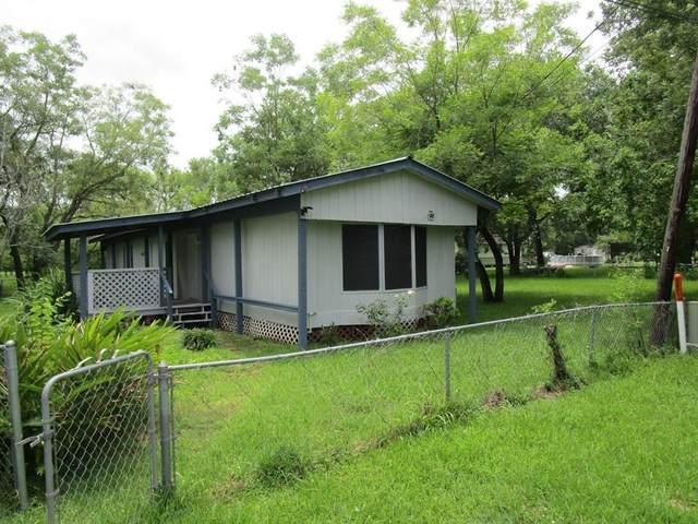 515 Maple St S Of NE, Brazoria, TX 77422 (MLS #84647370) :: CORE Realty
