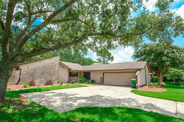 4700 Country Club View, Baytown, TX 77521 (MLS #84662333) :: The Heyl Group at Keller Williams