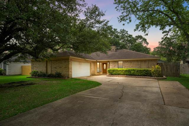 342 Dawn Hill Drive, Friendswood, TX 77546 (MLS #84752155) :: Christy Buck Team