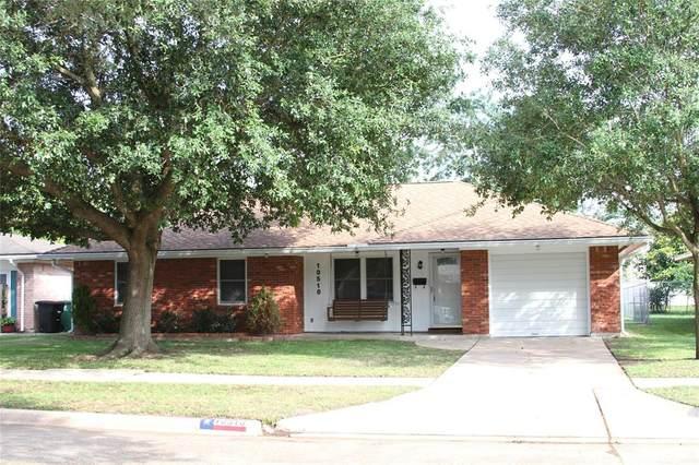 10510 Southport Drive, Houston, TX 77089 (MLS #8475482) :: Caskey Realty
