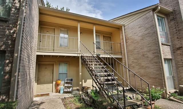 700 Thicket Lane #910, Houston, TX 77079 (MLS #84755944) :: The Wendy Sherman Team