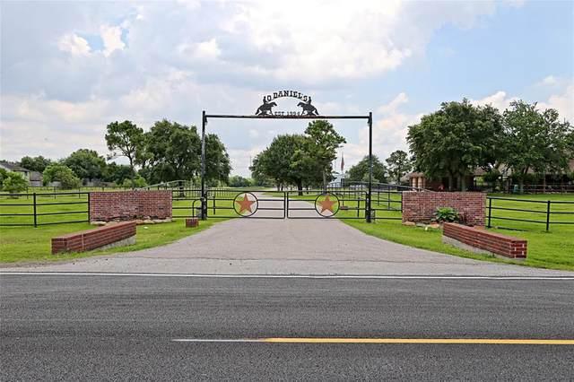 10431 N P Avenue Street, La Porte, TX 77571 (MLS #84878479) :: The SOLD by George Team