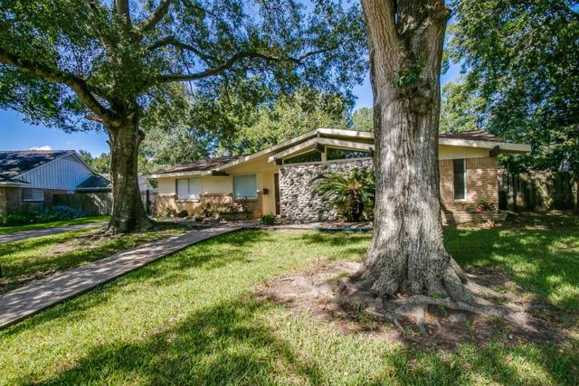 18207 Carriage, Houston, TX 77058 (MLS #85069551) :: The SOLD by George Team