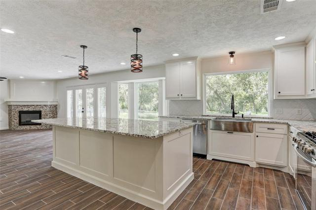15602 Wandering Trail, Friendswood, TX 77546 (MLS #85092995) :: The SOLD by George Team