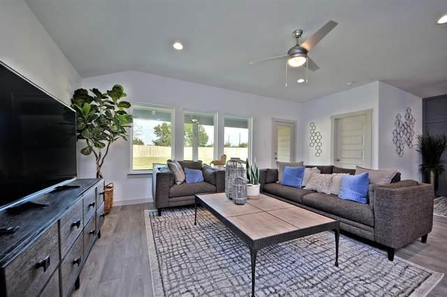 8223 Hush Heights Drive, Rosharon, TX 77583 (MLS #85151233) :: The Property Guys