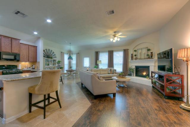 51 Hallmark Drive, Panorama Village, TX 77304 (MLS #85184599) :: Giorgi Real Estate Group