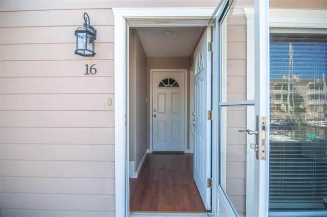 16 Mariner Village Drive Drive #16, Seabrook, TX 77586 (MLS #85307672) :: Michele Harmon Team