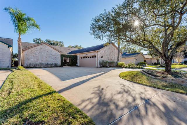 42 Crestwood Circle, Sugar Land, TX 77478 (MLS #85363411) :: CORE Realty