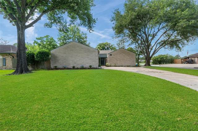 2207 Kingsway Drive, League City, TX 77573 (MLS #85437170) :: Bay Area Elite Properties