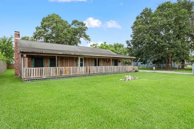 2412 Shanks Road, Angleton, TX 77515 (MLS #85504934) :: My BCS Home Real Estate Group
