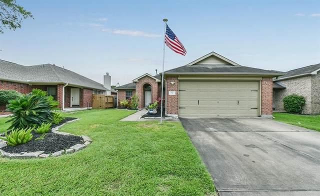 710 Chase Land Circle, Bacliff, TX 77518 (MLS #85628850) :: Christy Buck Team