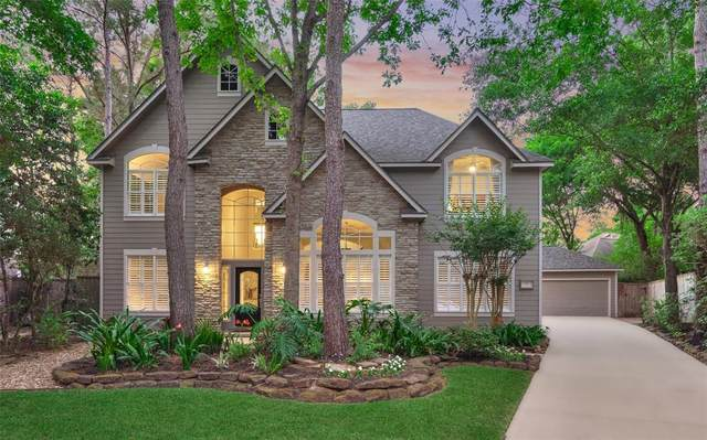 22 Classic Oaks Place, The Woodlands, TX 77382 (MLS #85683383) :: The Parodi Team at Realty Associates