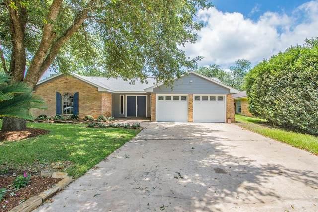 2817 N Remington Drive, Angleton, TX 77515 (MLS #85749763) :: NewHomePrograms.com LLC