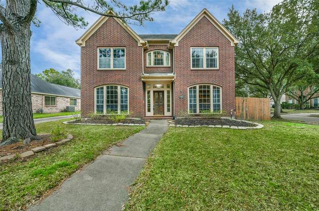 2220 Crossbrook Court, League City, TX 77573 (MLS #85845144) :: The Bly Team