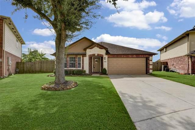 9204 Tejas Court, La Porte, TX 77571 (MLS #85906845) :: Michele Harmon Team