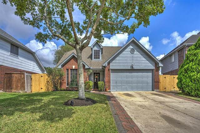 16007 Salton Point Drive, Friendswood, TX 77546 (MLS #85995376) :: The Freund Group