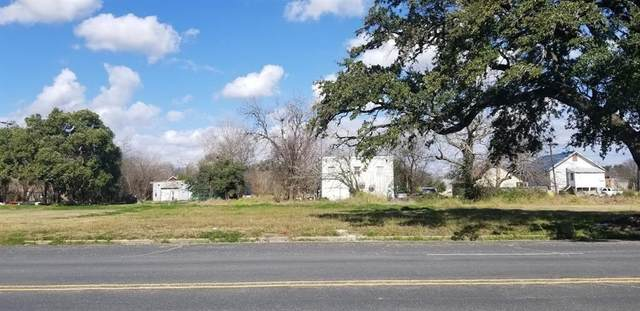414 Texas Avenue, Texas City, TX 77590 (MLS #86391619) :: The Queen Team