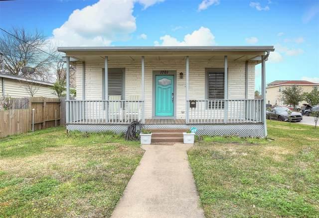 1701 55th St Street, Galveston, TX 77551 (MLS #86407259) :: The Bly Team