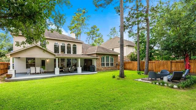 2 S Oriel Oaks Circle, The Woodlands, TX 77382 (MLS #86456357) :: Michele Harmon Team