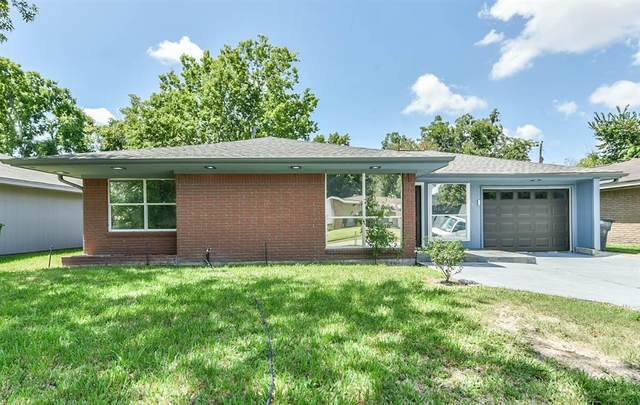 6837 Concho Street, Houston, TX 77074 (MLS #86537873) :: The Queen Team