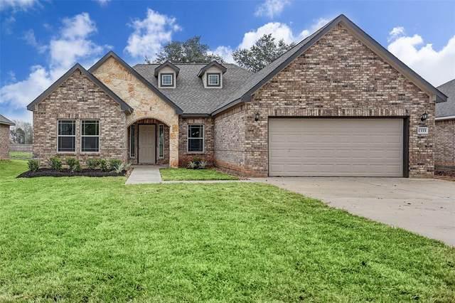 1333 Gifford Road, Angleton, TX 77515 (MLS #86643351) :: CORE Realty