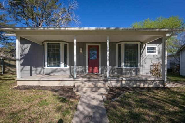 106 Duke Street, Yoakum, TX 77995 (#86715835) :: ORO Realty