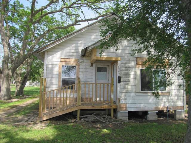 907 E Jackson Street, El Campo, TX 77437 (MLS #86843050) :: Green Residential