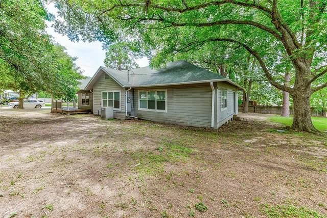 834 Calhoun W, Livingston, TX 77351 (MLS #86851716) :: The SOLD by George Team