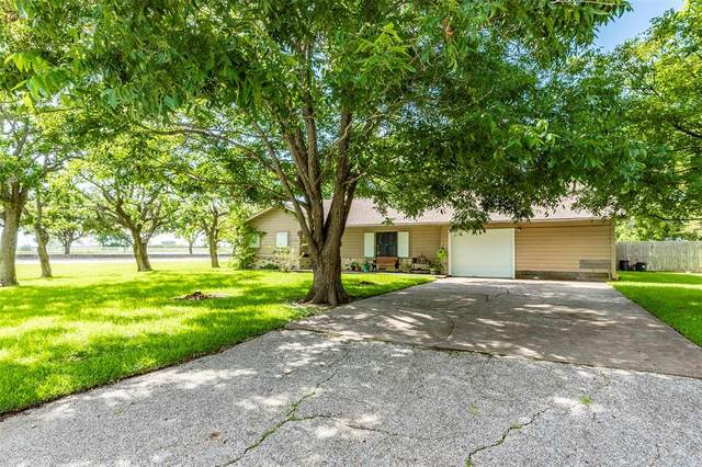 1 4th Avenue N, Texas City, TX 77590 (MLS #86885837) :: The SOLD by George Team