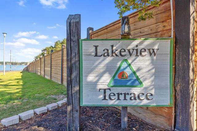 204 Lakeview Terrace B, Conroe, TX 77356 (MLS #86907679) :: The Bly Team