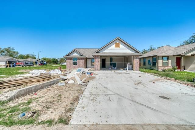 910 Northcrest Drive, Bryan, TX 77801 (MLS #86915251) :: The Queen Team