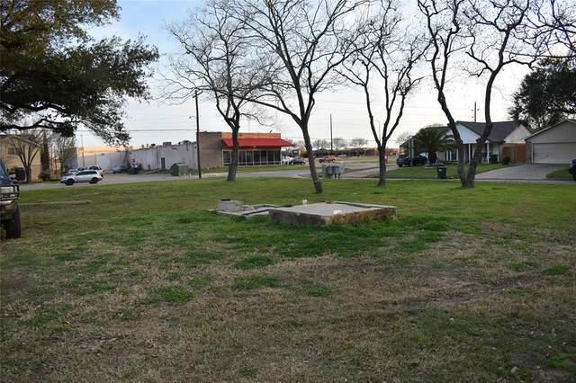 000 Eagle Lake Road, Sealy, TX 77474 (MLS #86936875) :: Lerner Realty Solutions