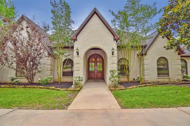 15569 Crown Oaks Drive, Montgomery, TX 77316 (MLS #86988805) :: Giorgi Real Estate Group