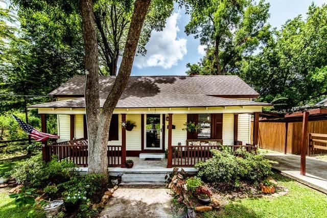 908 Sam Houston Avenue, Huntsville, TX 77320 (MLS #86994552) :: Ellison Real Estate Team