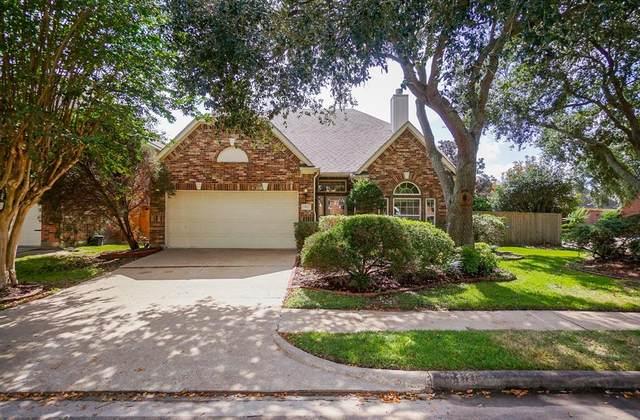 13927 Roxton Drive, Houston, TX 77077 (MLS #87056972) :: The Sansone Group
