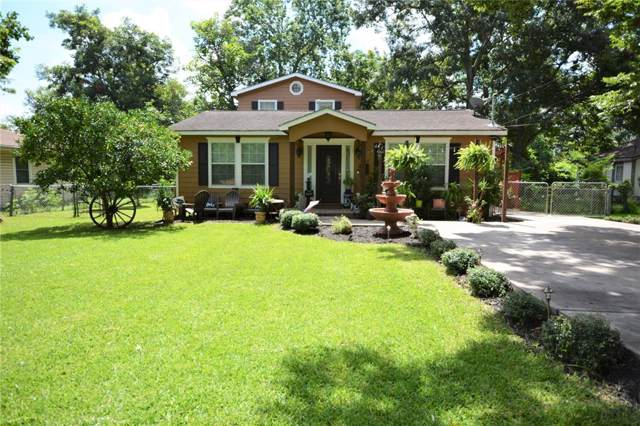 741 W Kyle Road, Clute, TX 77531 (MLS #87222135) :: The SOLD by George Team
