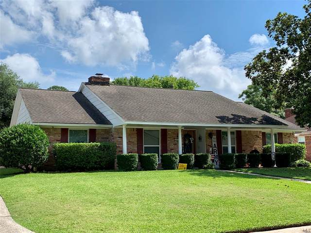 4911 Live Oak Drive, Dickinson, TX 77539 (MLS #87243706) :: Christy Buck Team