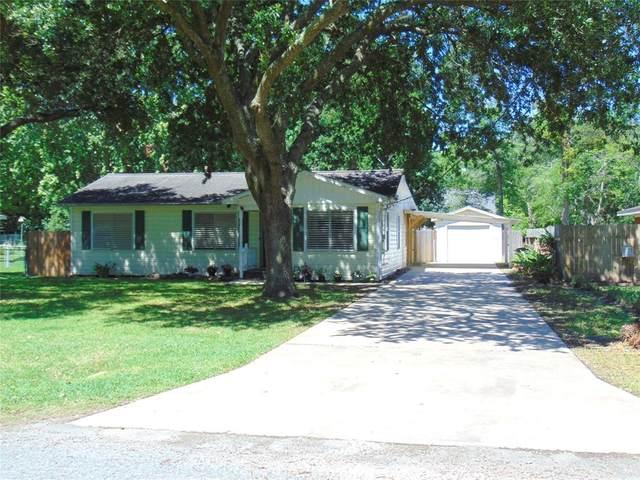 4430 Main Street, Santa Fe, TX 77510 (MLS #87337131) :: Guevara Backman