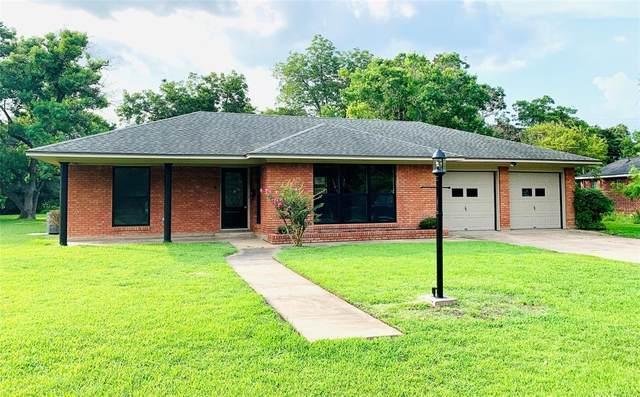 319 Lily Lane, Wharton, TX 77488 (MLS #87381368) :: Lerner Realty Solutions