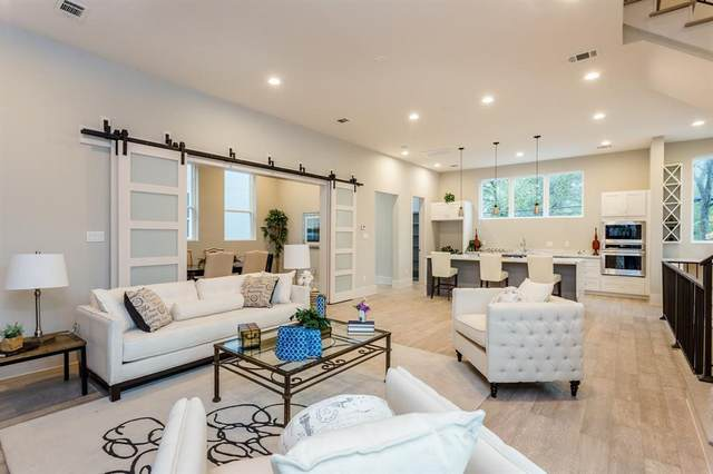 911 Thompson Street, Houston, TX 77007 (MLS #87429496) :: Connell Team with Better Homes and Gardens, Gary Greene