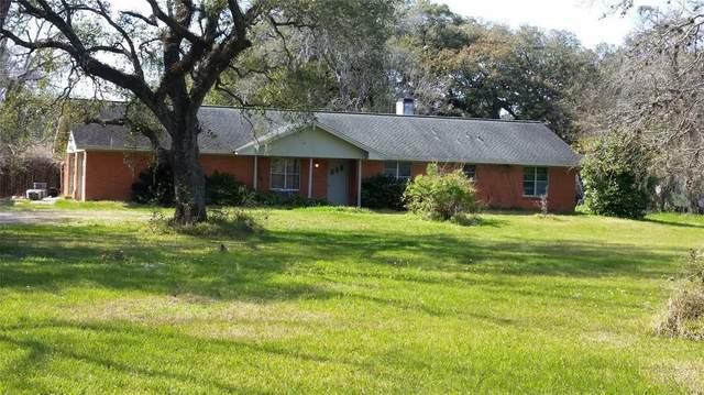 4687 County Road 288, Angleton, TX 77515 (MLS #8743665) :: Christy Buck Team
