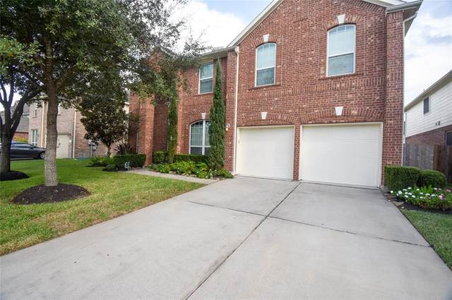 2411 Ridgebrook Lane, Pearland, TX 77584 (MLS #87479080) :: Christy Buck Team