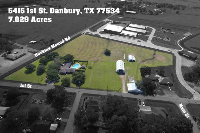 5415 1st Street, Danbury, TX 77534 (MLS #8754379) :: Connell Team with Better Homes and Gardens, Gary Greene