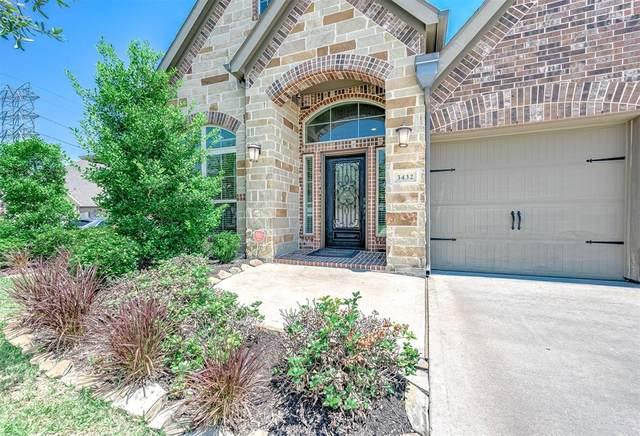 3432 Golden Cypress Ln Lane, Pearland, TX 77584 (MLS #87634597) :: Christy Buck Team