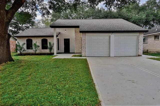 5006 Appleblossom Lane, Friendswood, TX 77546 (MLS #87679122) :: Caskey Realty